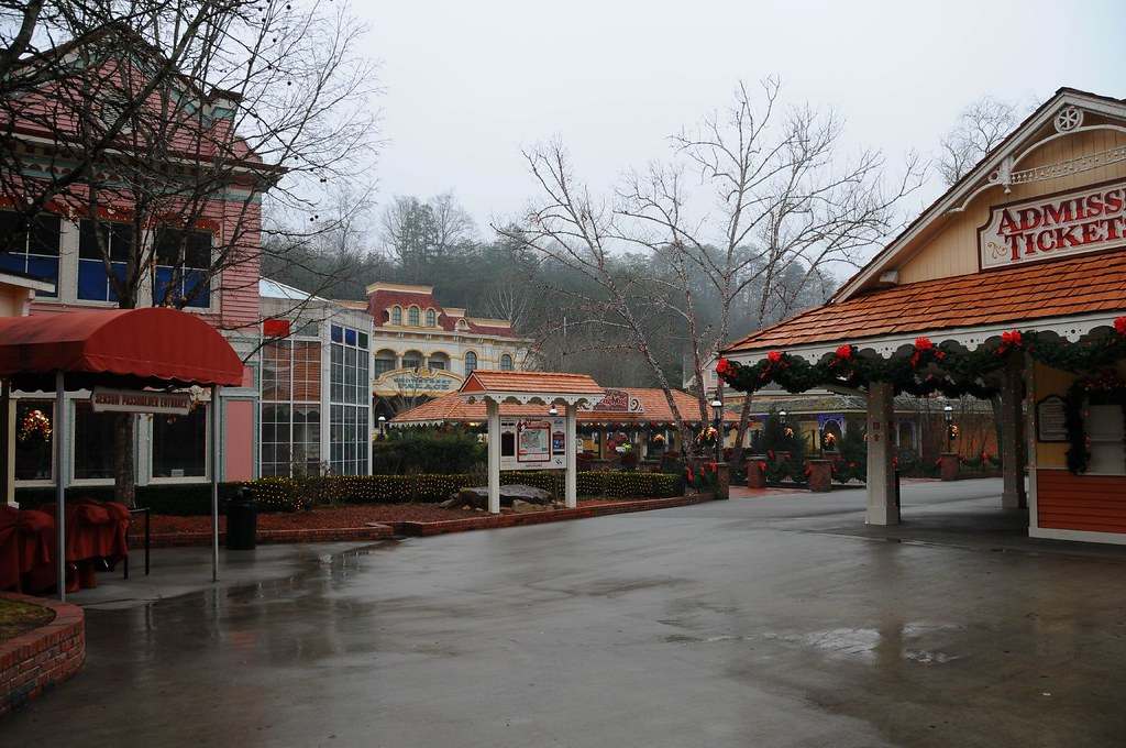 Dollywood May Acres