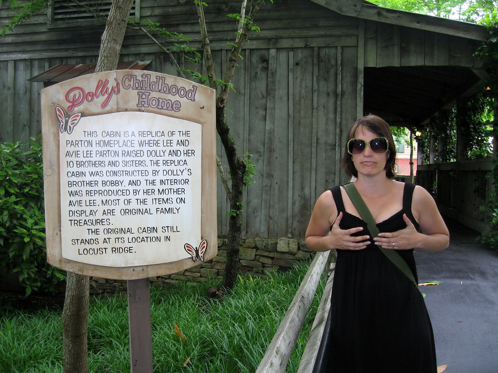 Dollywood Mule Hollow